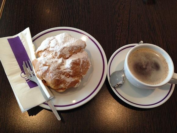 ドイツのコーヒーとシュークリーム